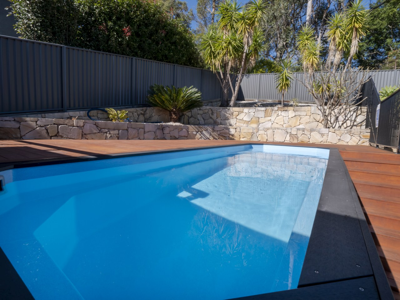 ez plunge pool Relax above ground pool installation 2a