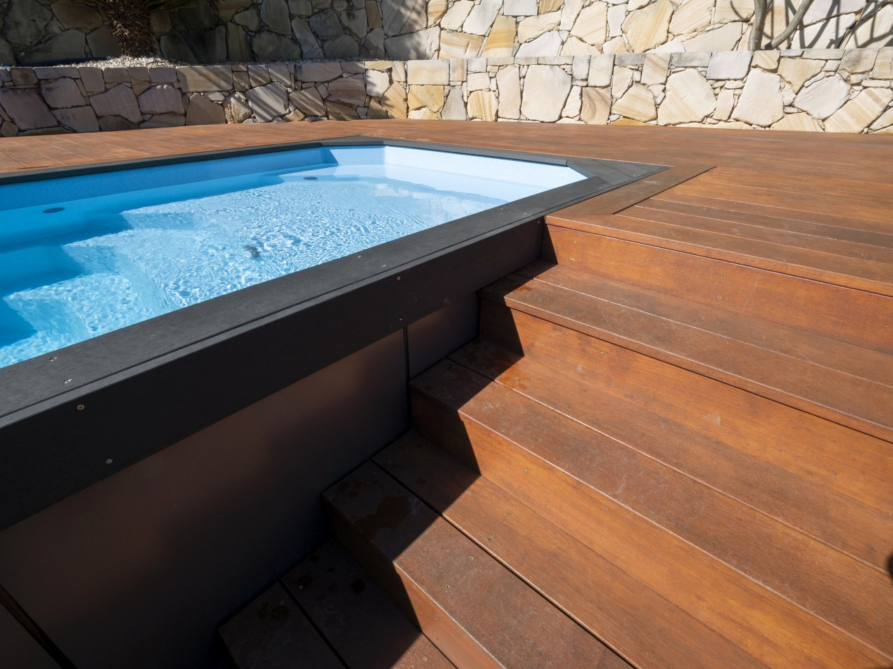 ez plunge pool Relax above ground pool installation 2b